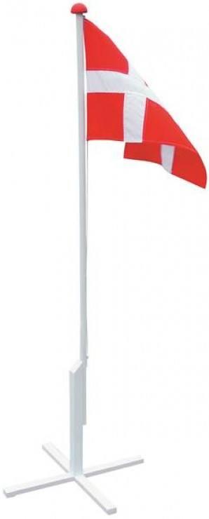Træflagstang m/ krydsfod og flag 16...